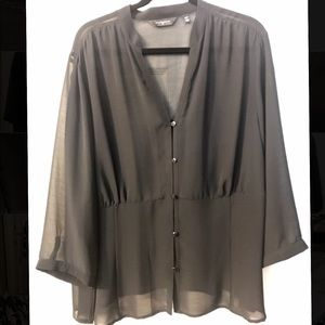NWOT Investments II Black Shear Blouse w.Buttons
